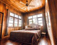 ตกแต่งห้องนอนอารมณ์โมเดิร์นด้วยไม้สัก