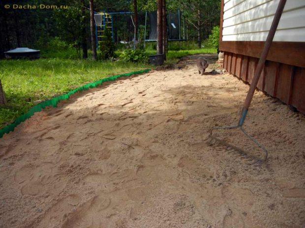 โรยหน้าดินด้วยทราย