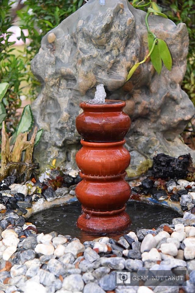 น้ำพุตกแต่งสวนทำจากหม้อดิน