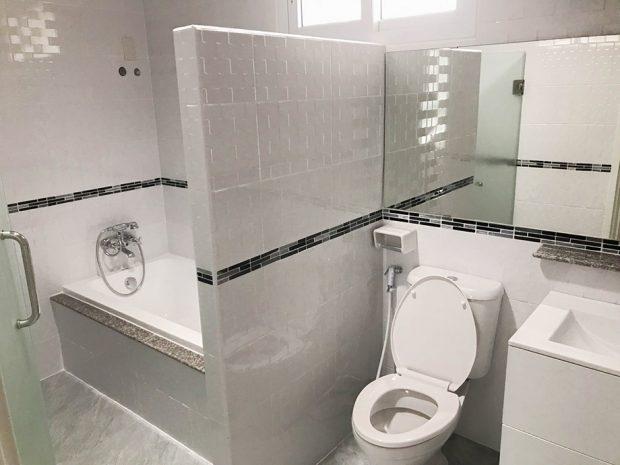 ห้องน้ำมีอ่างอาบน้ำ