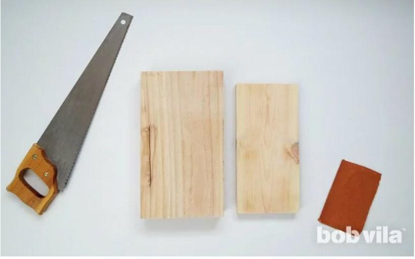 ตัดไม้สำหรับทำฐานโคมไฟ
