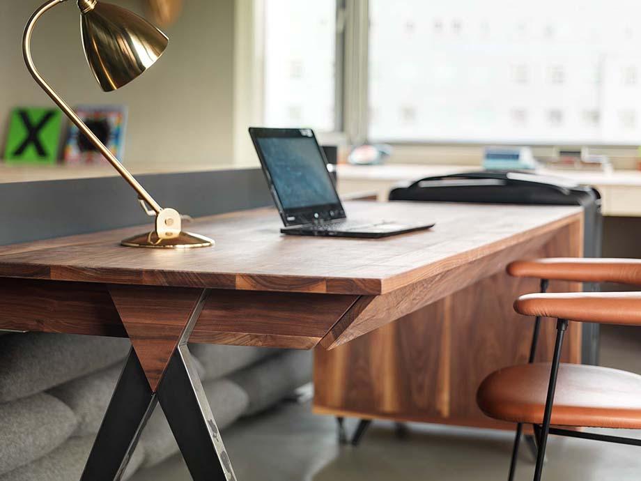 โต๊ะทำงานสไตล์ modern contemporary