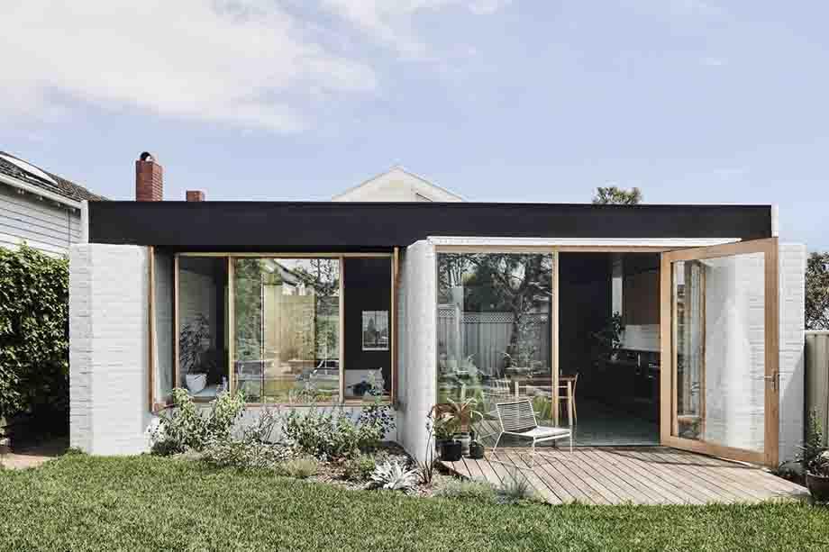 บ้านเล็ก ๆ สีขาว-ดำ