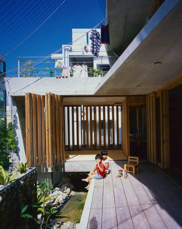 ชานบ้านนั่งเล่นชมสวน
