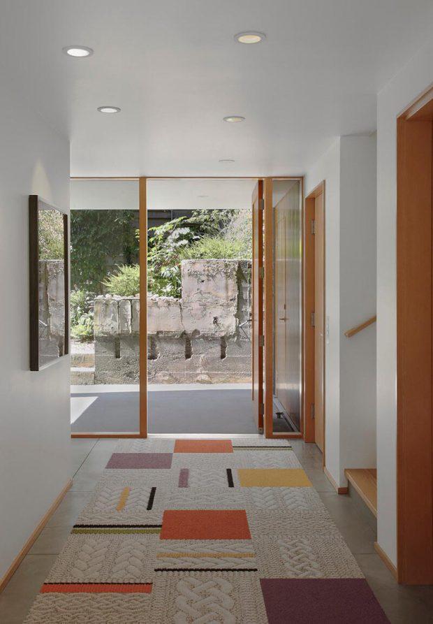 ประตูกระจกเปิดเชื่อมสวน