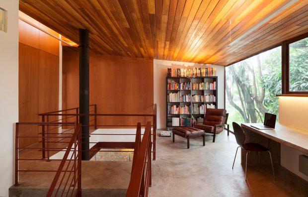 ห้องอ่านหนังสือผนังกระจก