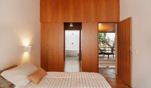 ห้องนอนตกแต่งด้วยไม้