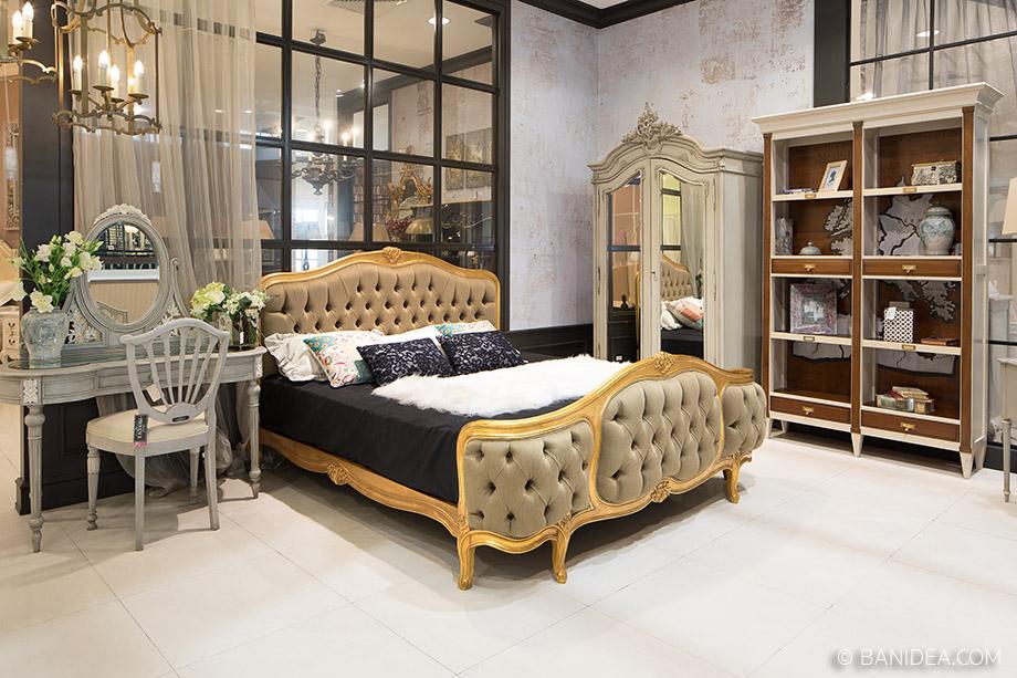 เตียงนอนสีทอง