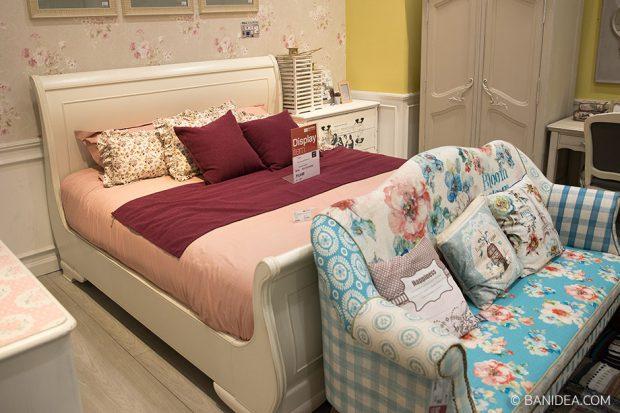 เตียงนอนไม้ สีขาวครีม