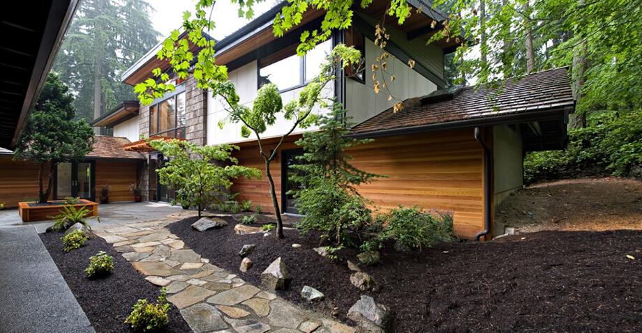 บ้านไม้สวยกลางธรรมชาติ