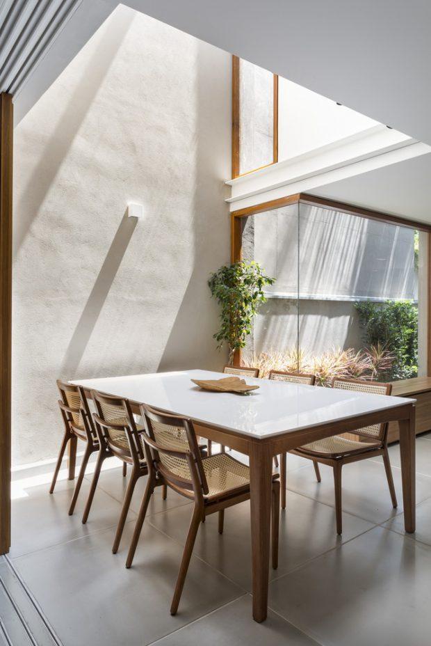 double space ในห้องทานอาหาร