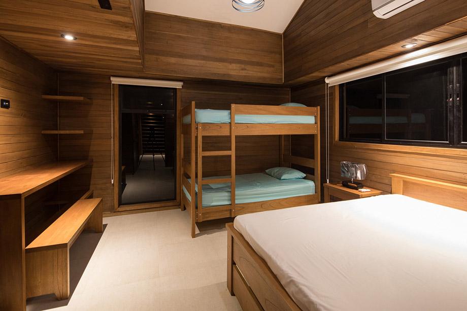 เตียงไม้ 2 ชั้น
