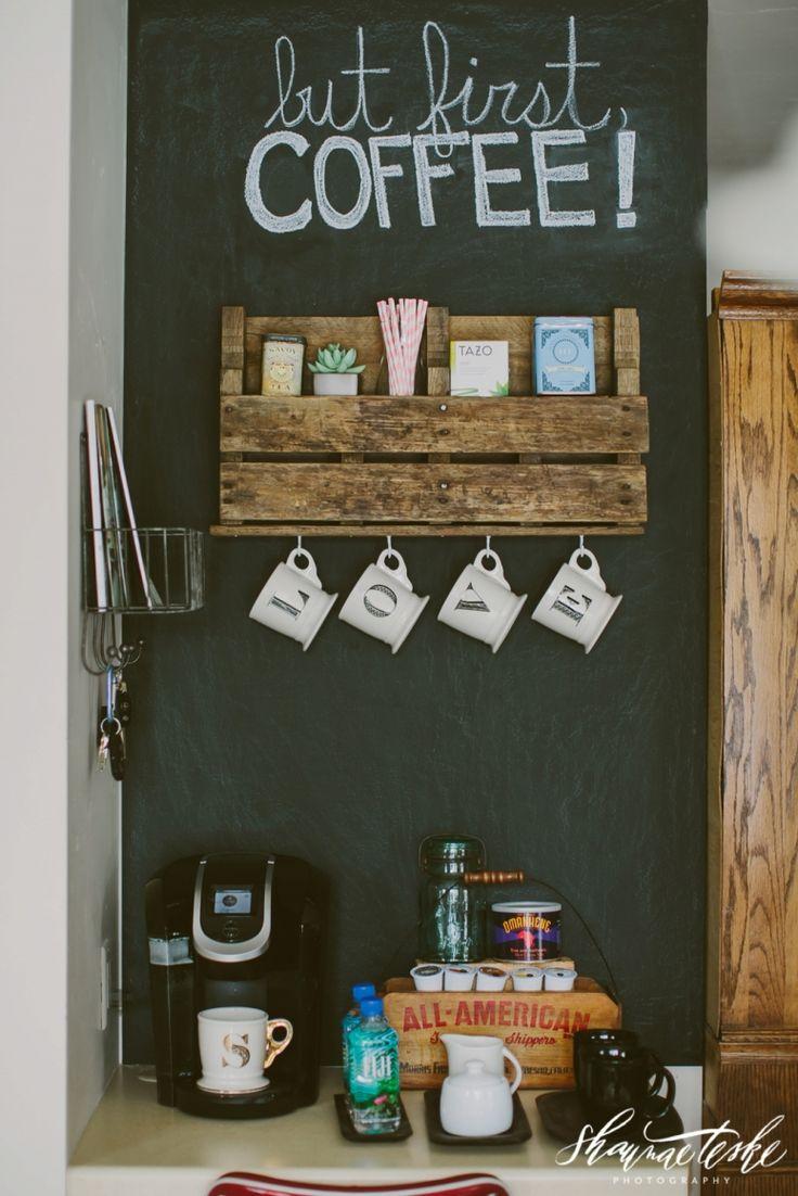 ชั้นวางกาแฟจากไม้เก่า