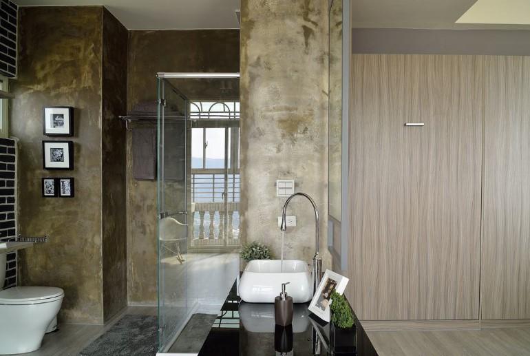 ผนังกระจกในห้องน้ำ