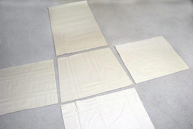 ตัดชิ้นส่วนผ้าเตรียมเย็บประกอบ