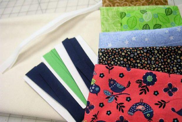 ผ้าสีพื้นและผ้าลายที่ใช้ตกแต่ง