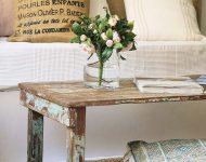 โต๊ะไม้ขัดสีเก่า