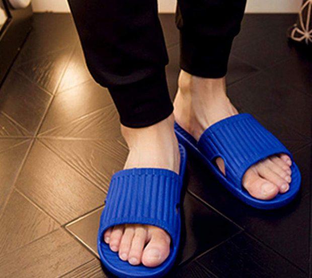 รองเท้ากันลื่น