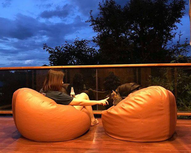 มุมนั่งเล่นที่ระเบียงบ้าน