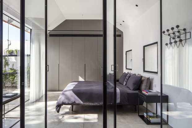 ห้องนอนโมเดิร์นโทนสีขาวดำ