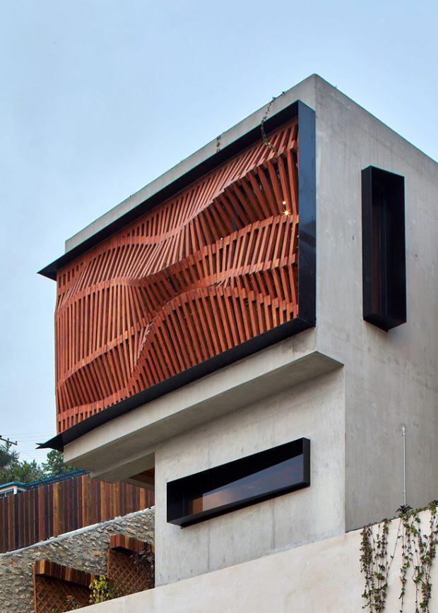 บ้านคอนกรีตฟาซาดระแนงไม้