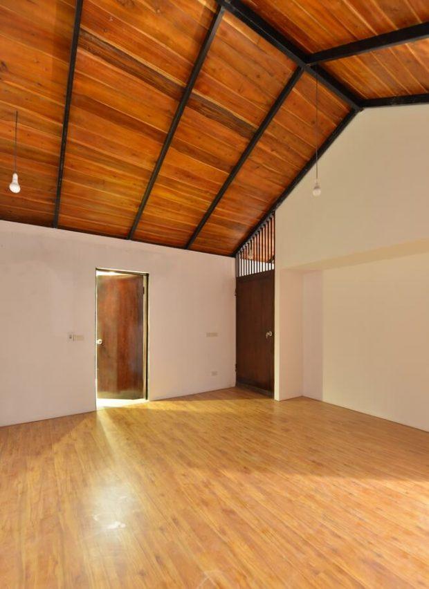 เพดานและพื้นไม้