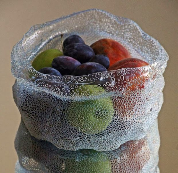 จานใส่ผลไม้จากขวดพลาสติก