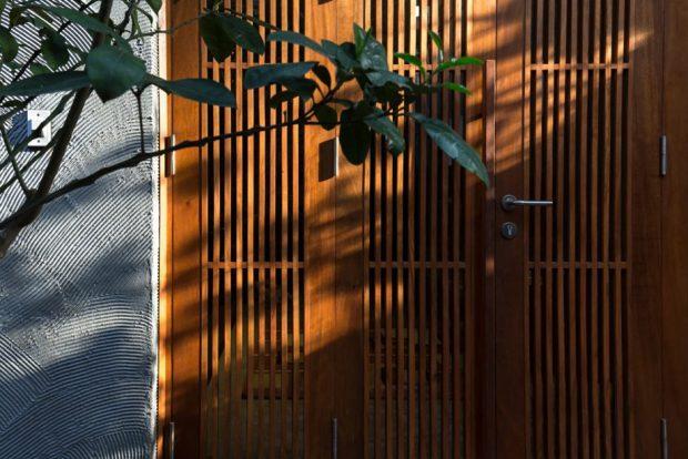ประตูไม้ระแนง