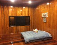 ห้องนอนไม้สัก