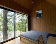 ห้องนอนเห็นวิวป่า