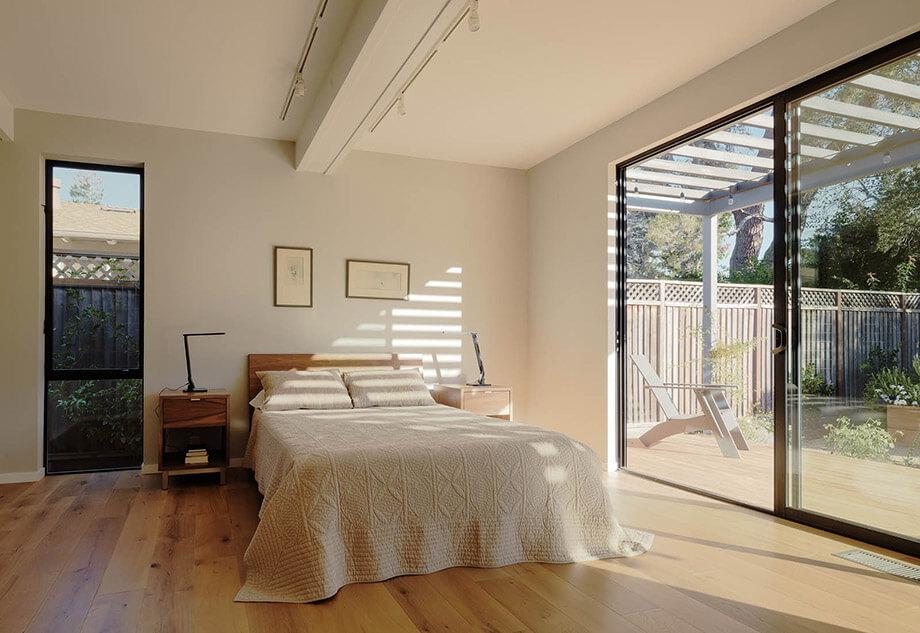ผ้าปูที่นอนสีขาว