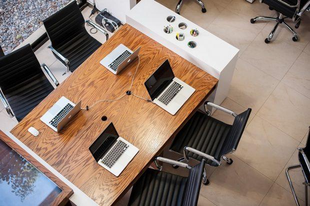 โต๊ะทำงานสไตล์โมเดิร์น