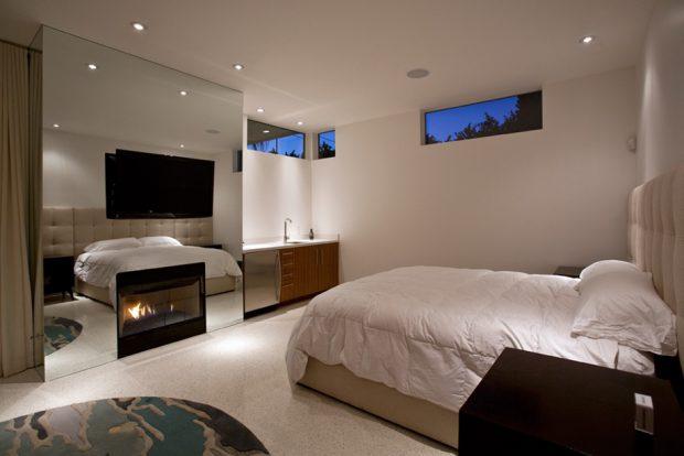 ห้องนอนติดช่องแสงแนวนอน