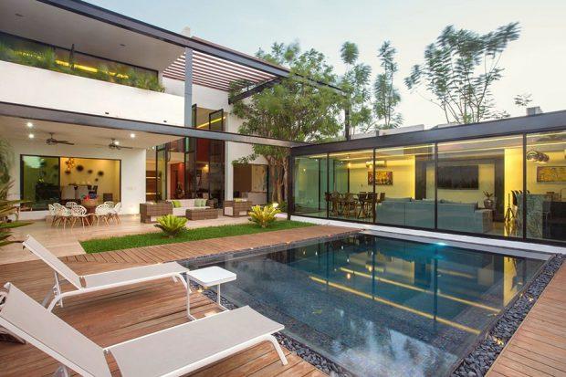 บ้านตัว L มีสระว่ายน้ำ