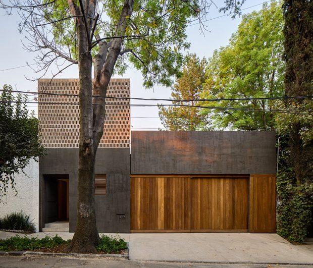 บ้านคอนกรีตผสมไม้และอิฐช่องลม
