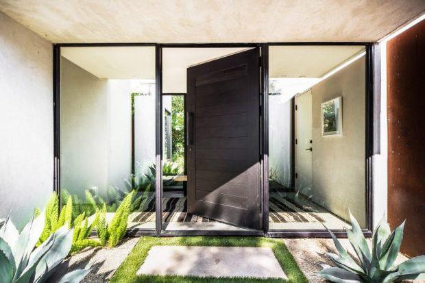 ประตูบ้าน over size