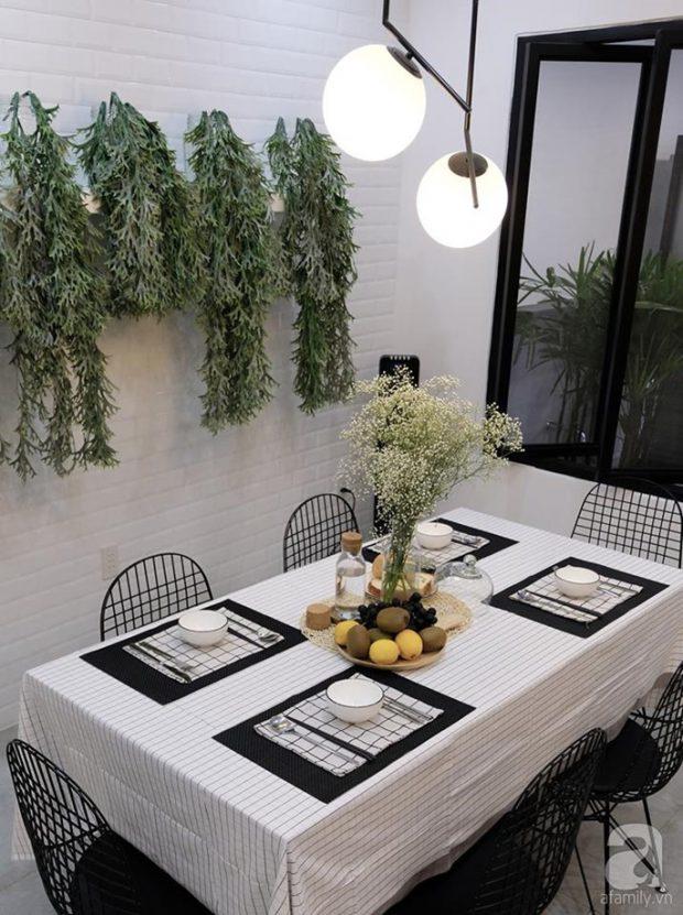 โต๊ะทานข้าวโทนสีขาวดำ