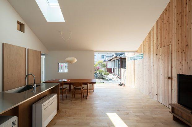 ช่องแสงสกายไลท์กลางบ้าน