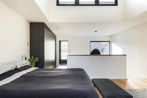 ห้องนอนโทนสีขาว-เทา