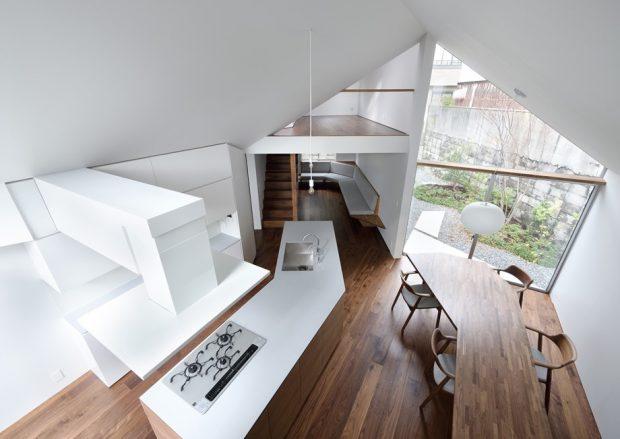 บ้านโทนสีขาวโปร่งสว่าง