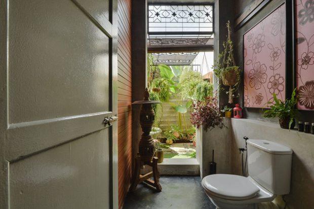 ห้องน้ำเชื่อมต่อสวน
