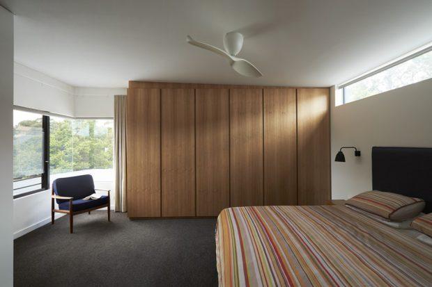 ห้องนอนช่องแสงขนาดใหญ่