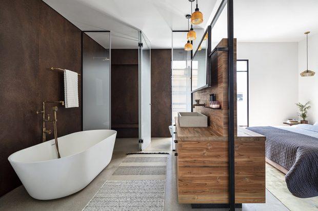 ห้องน้ำตกแต่งไม้และกระจก