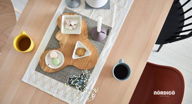 โต๊ะอาหารทำจากไม้
