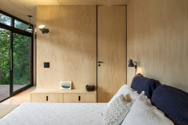 ห้องนอนตกแต่งไม้อัด