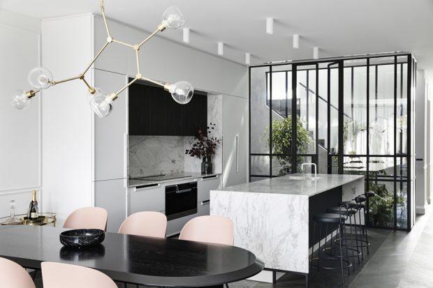 ห้องครัวโมเดิร์นสีขาว-ดำ