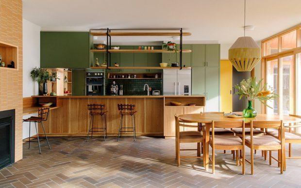 ห้องครัวโทนสีเขียวตกแต่งไม้