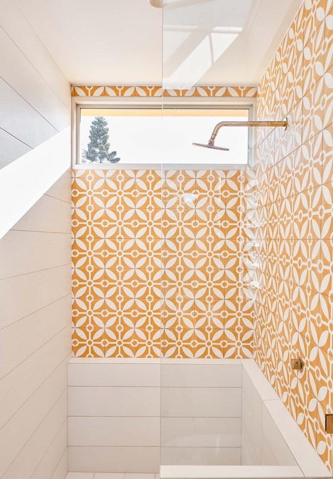 ช่องแสงแนวนอนในห้องน้ำ