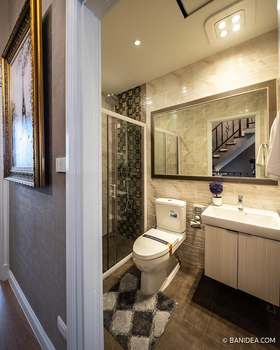 ห้องน้ำรวม ชั้นสอง
