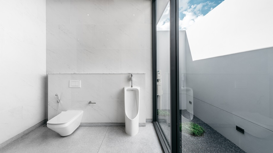 ห้องน้ำสีขาว